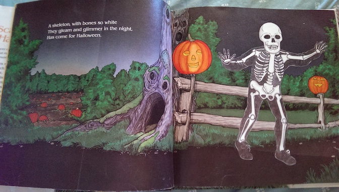 ScaryHalloweenSkeleton